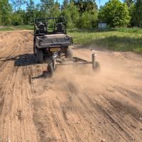 Grader / Road scraper